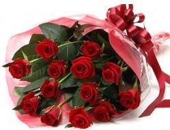 Batman anneler günü çiçek yolla  10 adet kipkirmizi güllerden buket tanzimi