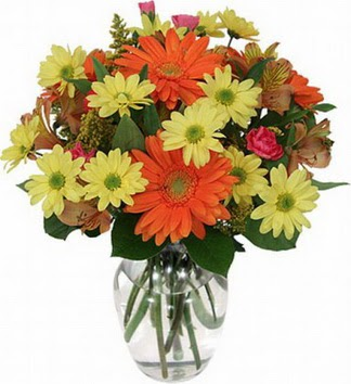 Batman hediye sevgilime hediye çiçek  vazo içerisinde karışık mevsim çiçekleri