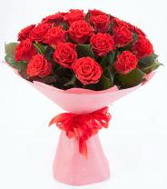 12 adet kırmızı gül buketi  Batman çiçek siparişi sitesi