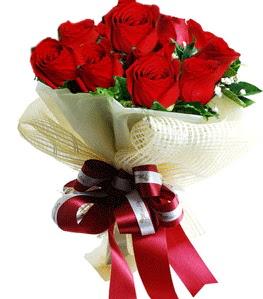 9 adet kırmızı gülden buket tanzimi  Batman çiçek gönderme sitemiz güvenlidir