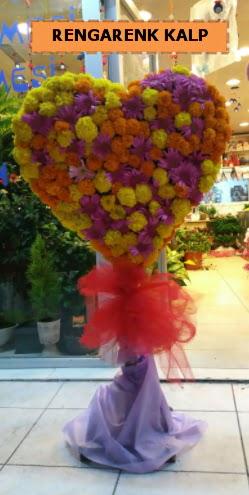 Ankara mevsim çiçeklerinden kalp perförje  Batman çiçekçi telefonları