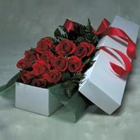 Batman online çiçek gönderme sipariş  11 adet gülden kutu