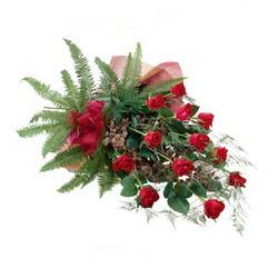 Batman online çiçek gönderme sipariş  10 adet kirmizi gül özel buket çiçek siparisi