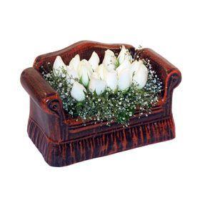 seramik içerisinde 11 gül  Batman hediye çiçek yolla