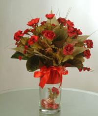 yapay güllerden vazo  9 gül  Batman uluslararası çiçek gönderme