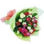 12 adet renkli gül buketi   Batman çiçek gönderme sitemiz güvenlidir