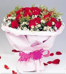 Batman internetten çiçek satışı  12 ADET KIRMIZI GÜL BUKETI