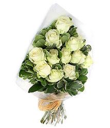 Batman online çiçekçi , çiçek siparişi  12 li beyaz gül buketi.