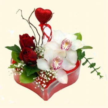 Batman hediye sevgilime hediye çiçek  1 kandil orkide 5 adet kirmizi gül mika kalp