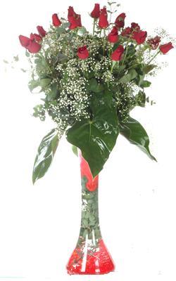 Batman uluslararası çiçek gönderme  19 ADET GÜL VE FIL CAM AYAGI