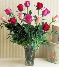 Batman çiçek mağazası , çiçekçi adresleri  12 adet karisik renkte gül cam yada mika vazoda