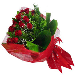Batman kaliteli taze ve ucuz çiçekler  12 adet kirmizi essiz gül buketi - SEVENE ÖZEL