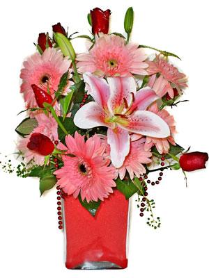 Batman cicek , cicekci  karisik cam yada mika vazoda mevsim çiçekleri mevsim demeti