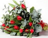 Batman çiçek satışı  11 adet kirmizi gül buketi özel günler için