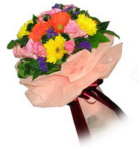 Batman çiçekçi mağazası  Karisik mevsim çiçeklerinden demet