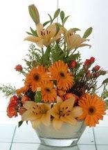 Batman çiçek servisi , çiçekçi adresleri  cam yada mika vazo içinde karisik mevsim çiçekleri