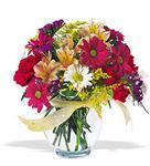 Batman çiçek , çiçekçi , çiçekçilik  cam yada mika vazo içerisinde karisik kir çiçekleri