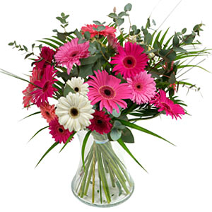 15 adet gerbera ve vazo çiçek tanzimi  Batman online çiçek gönderme sipariş
