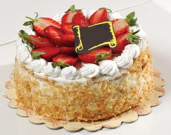 uygun pastaneler 4 ile 6 kisilik çilekli yas pasta lezzetli  Batman çiçek siparişi vermek