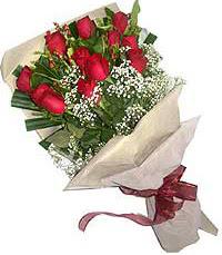 11 adet kirmizi güllerden özel buket  Batman internetten çiçek siparişi
