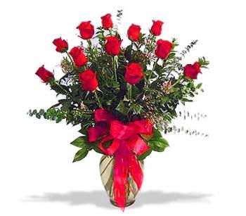 çiçek siparisi 11 adet kirmizi gül cam vazo  Batman online çiçek gönderme sipariş
