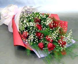 10 adet kirmizi gül çiçegi gönder  Batman anneler günü çiçek yolla