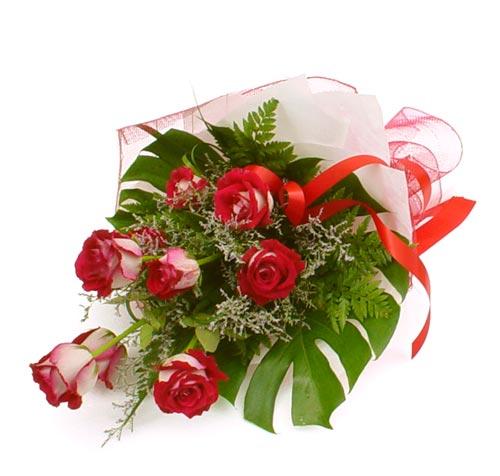 çiçek gönder 7 adet kirmizi gül buketi  Batman kaliteli taze ve ucuz çiçekler
