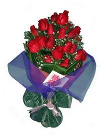 12 adet kirmizi gül buketi  Batman online çiçek gönderme sipariş