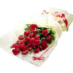 Çiçek gönderme 13 adet kirmizi gül buketi  Batman çiçek satışı