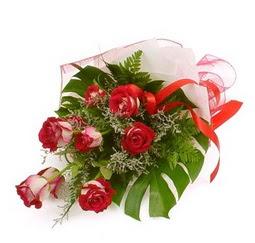 Çiçek gönder 9 adet kirmizi gül buketi  Batman çiçek siparişi vermek