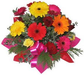 Karisik mevsim çiçeklerinden buket  Batman hediye sevgilime hediye çiçek