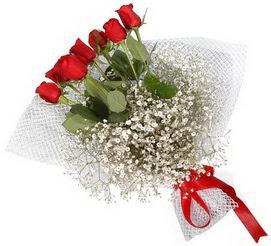 7 adet essiz kalitede kirmizi gül buketi  Batman hediye sevgilime hediye çiçek