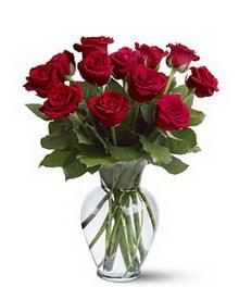 Batman çiçek gönderme sitemiz güvenlidir  cam yada mika vazoda 10 kirmizi gül