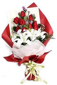 Batman hediye çiçek yolla  9 adet gül 2 adet kazablanka buketi