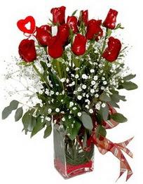 Batman çiçek siparişi vermek  9 adet mika yada cam vazoda gül tanzimi kalp çubuk