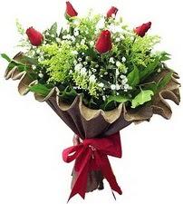 Batman online çiçek gönderme sipariş  5 adet kirmizi gül buketi demeti