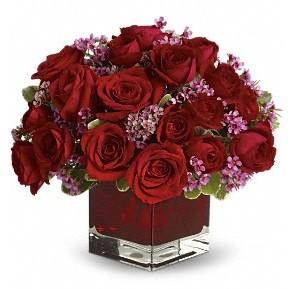11 adet kırmızı gül vazosu  Batman çiçekçiler