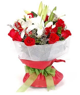 Batman hediye çiçek yolla  1 dal kazablanka 11 adet kırmızı gül buketi