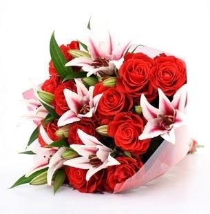 Batman çiçek siparişi vermek  3 dal kazablanka ve 11 adet kırmızı gül