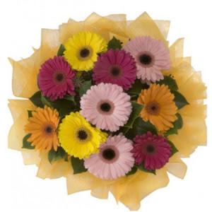 Batman İnternetten çiçek siparişi  11 adet karışık gerbera çiçeği buketi
