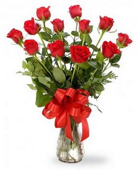 Batman çiçek , çiçekçi , çiçekçilik  12 adet kırmızı güllerden vazo tanzimi