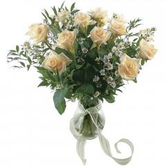 Vazoda 8 adet beyaz gül  Batman 14 şubat sevgililer günü çiçek