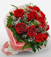 12 adet kırmızı güllerden kaliteli gül  Batman çiçek siparişi vermek