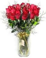 27 adet vazo içerisinde kırmızı gül  Batman İnternetten çiçek siparişi