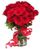 21 adet vazo içerisinde kırmızı gül  Batman çiçek satışı