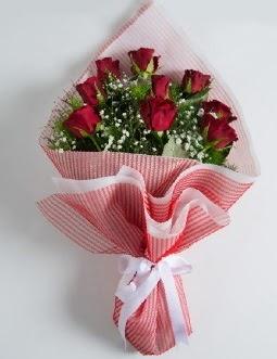9 adet kırmızı gülden buket  Batman çiçek satışı