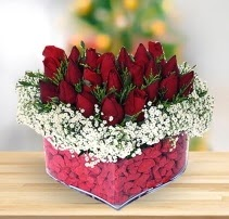 15 kırmızı gülden kalp mika çiçeği  Batman çiçek satışı