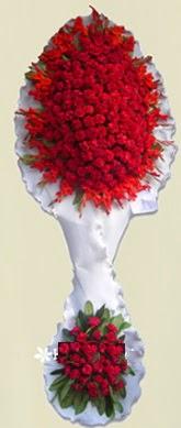 Çift katlı kıpkırmızı düğün açılış çiçeği  Batman anneler günü çiçek yolla