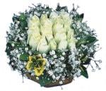 Batman çiçekçiler  Beyaz harika bir gül sepeti