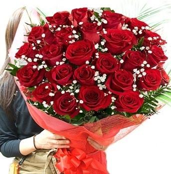 Kız isteme çiçeği buketi 33 adet kırmızı gül  Batman çiçek gönderme sitemiz güvenlidir